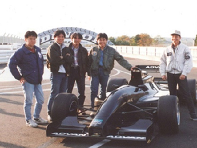 Developed the first Japanese  F3000 monocoque chassis